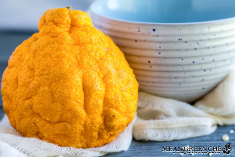 Sumo Citrus being used for Spiced Mandarin Pecan Oatmeal.